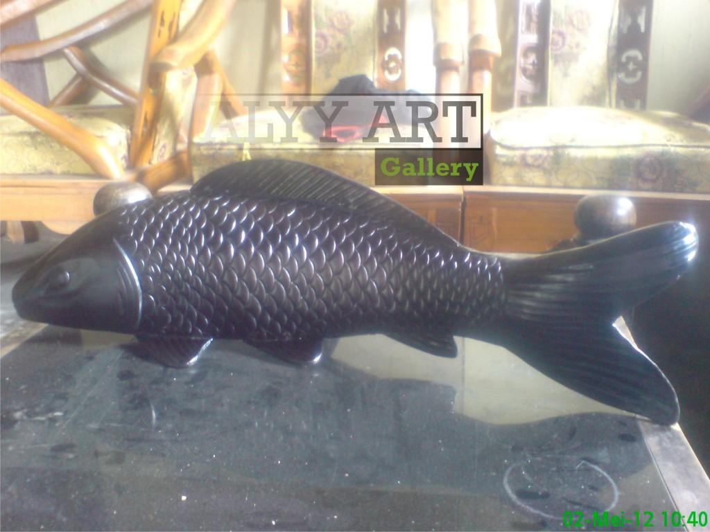 kerajinan patung ikan tembaga